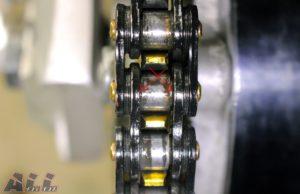 チェーングリス 注油位置 ローラーとインナープレート間-2