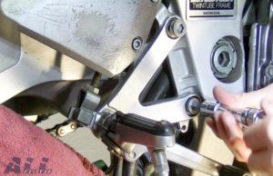 ブレーキランプスイッチ ステップホルダー 固定ボルト  取り付け