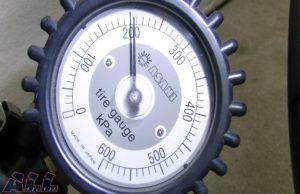 タイヤゲージ 空気圧 表示2