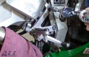 ブレーキランプスイッチ ステップホルダー 固定ボルト 規定トルク 取り付け