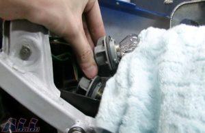 ブレーキランプバルブ 指紋油分除去 ウエス